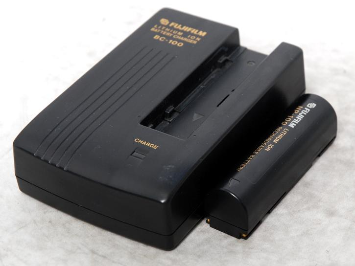 BC-100 NP-100付(FinePix700・600Z・BIGJOB DS-260HD・DS-30・260用