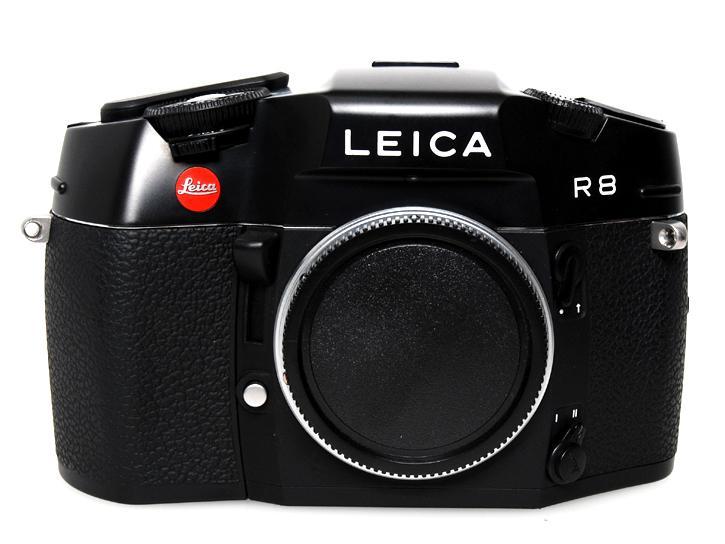 R8 (ブラック)