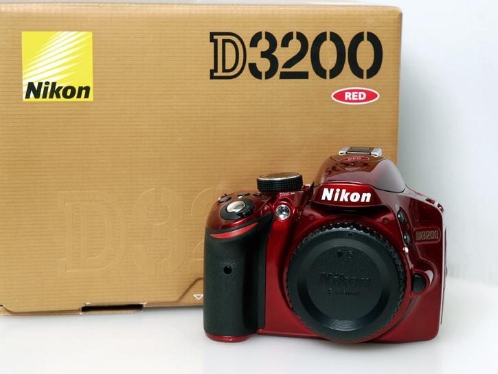 D3200 レッド