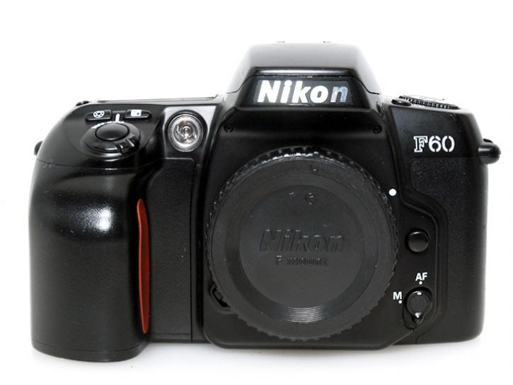 F60D ブラック